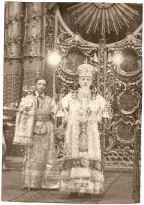 Mitropolit_Leningradskii_i_Novgorodskii..ngrad.Nikol_skii_sobor._1944_g.